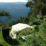Camping aux portes du sauveterre vue sur les gorges du tarn
